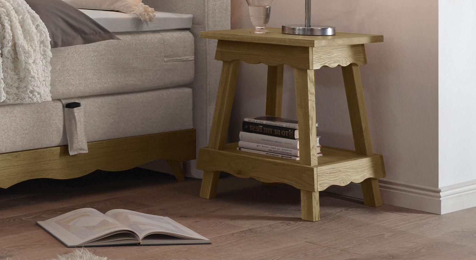 nachttisch aus massivem eichenholz mit ablageboden muanda. Black Bedroom Furniture Sets. Home Design Ideas