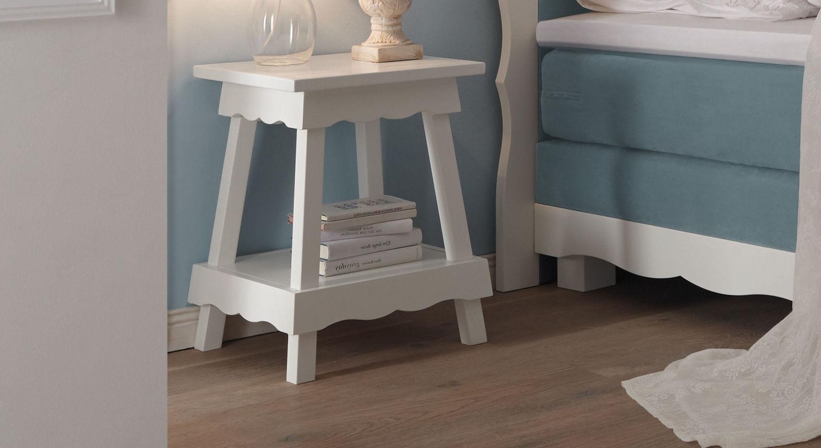 Nachttisch Rana aus weiß lackierter Buche