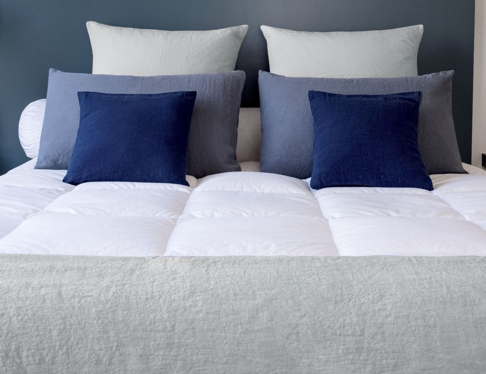 exklusiver daunentopper qualit t aus frankreich pyrenex royal. Black Bedroom Furniture Sets. Home Design Ideas