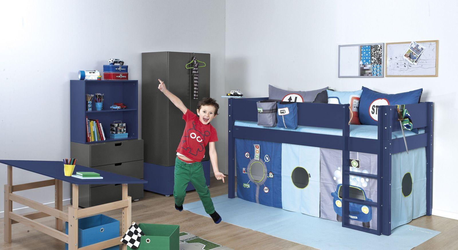 Regale Kids Town Color mit passender Kinderzimmer-Einrichtung