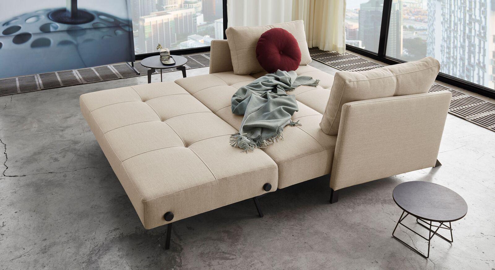 Modernes Schlafsofa Kuda mit großer Liegefläche