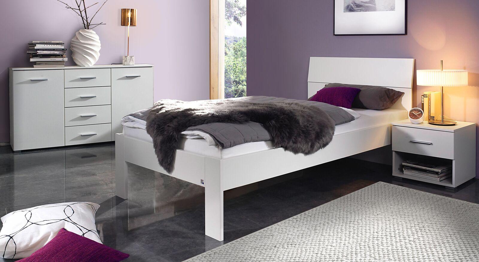 Schlafzimmer Leilani in schlicht weißem Design