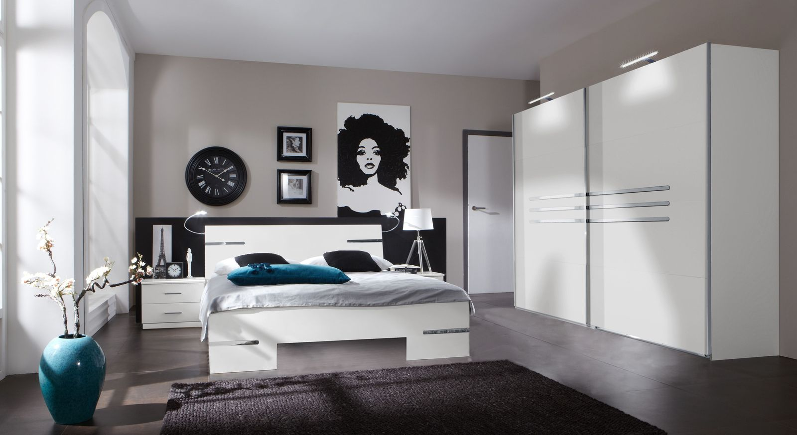 wei es komplett schlafzimmer mit modernem futonbett manati. Black Bedroom Furniture Sets. Home Design Ideas