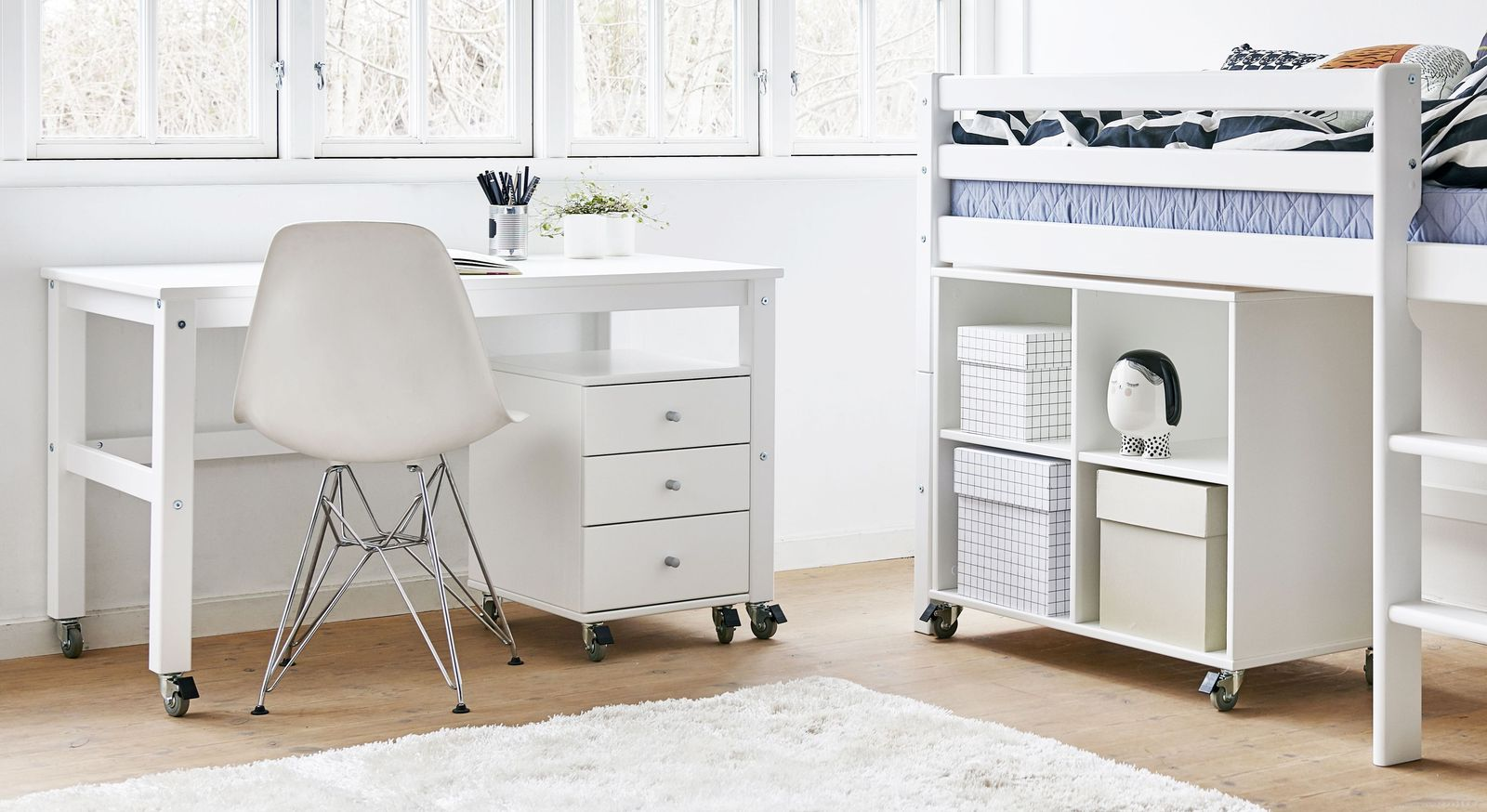 Schreibtisch Kids Heaven rollbar mit passendem Zubehör