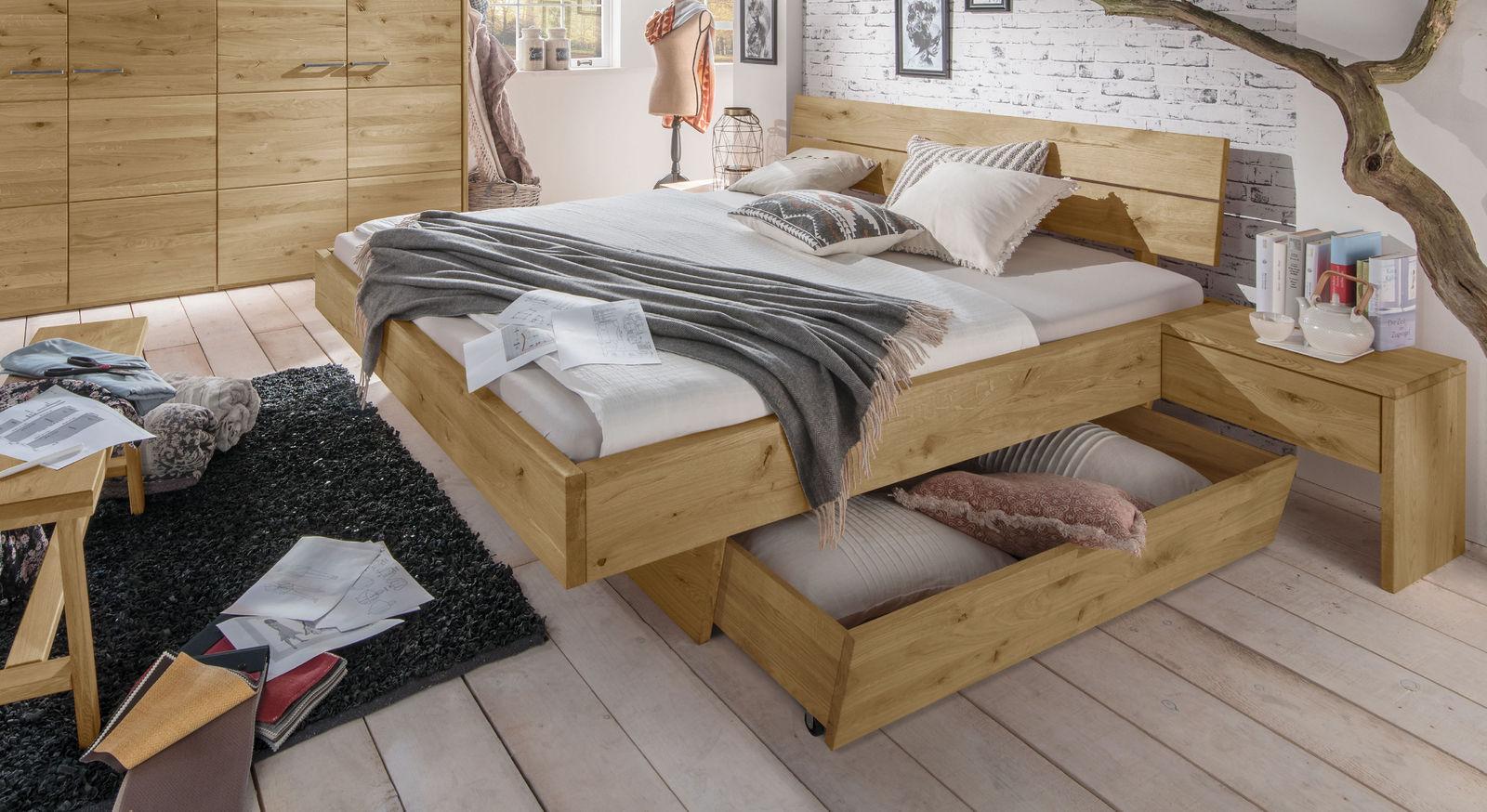 Robustes Schubkastenbett Kärnten aus Massivholz