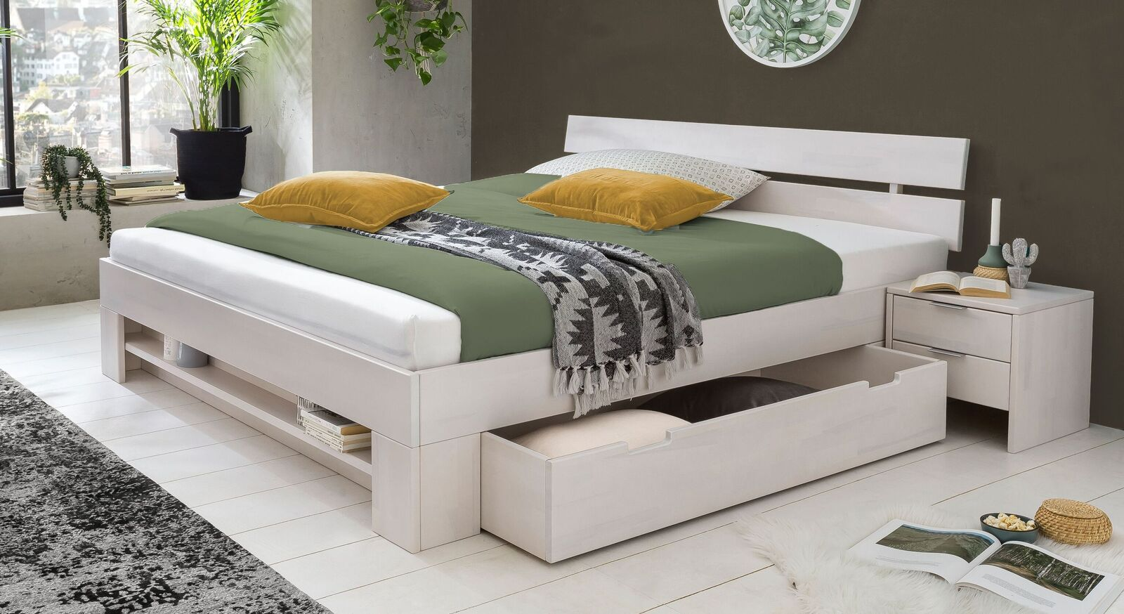 Schubkasten-Bett Valor aus weiß lackierter Kernbuche