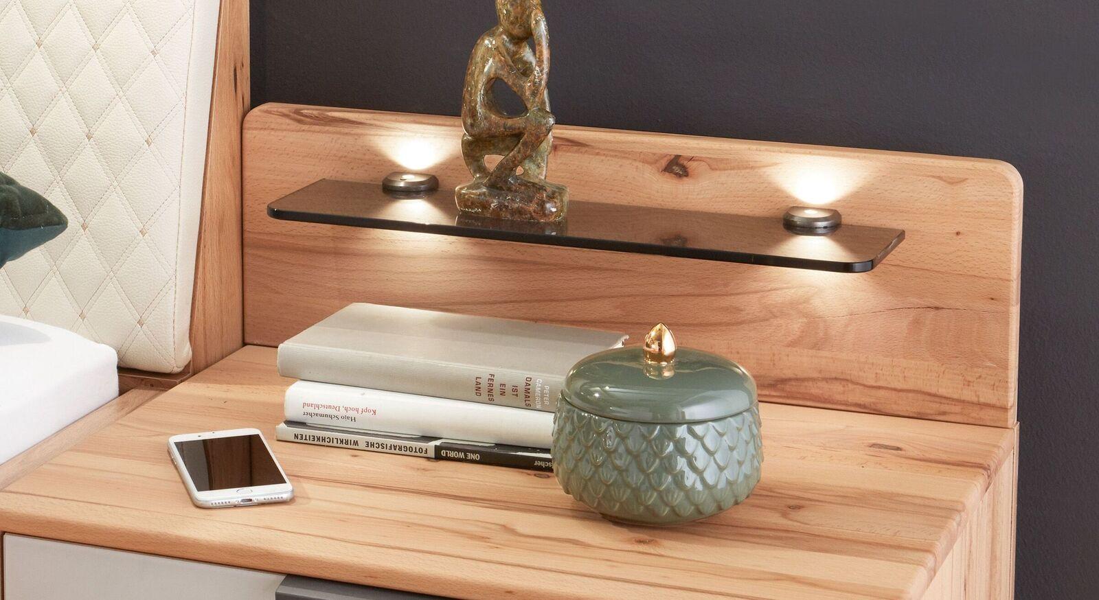 Schwebe-Nachttisch Leandra mit modernem Rückpaneel