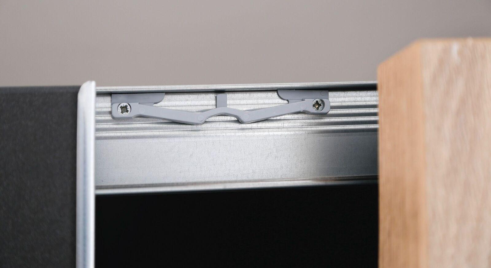 Schwebetüren-Kleiderschrank Azra mit Schließmechanismus