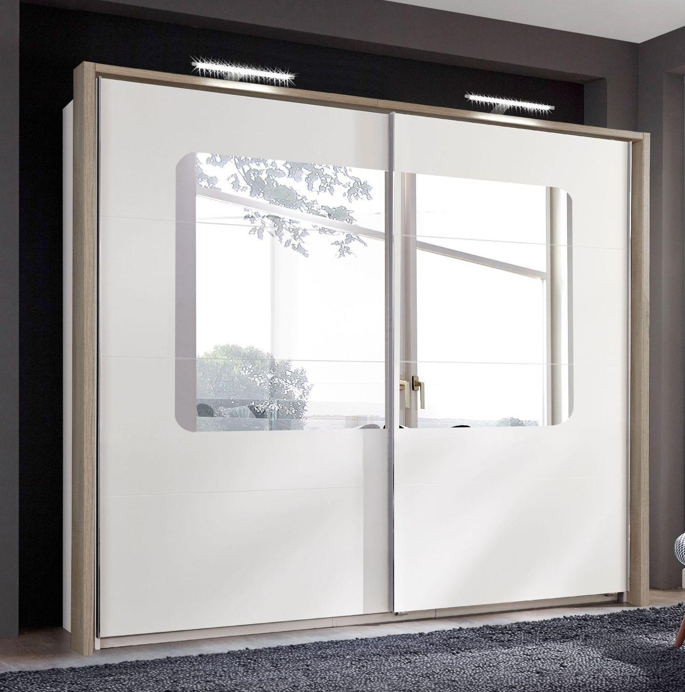 schwebet ren kleiderschrank in wei mit gro em spiegel. Black Bedroom Furniture Sets. Home Design Ideas