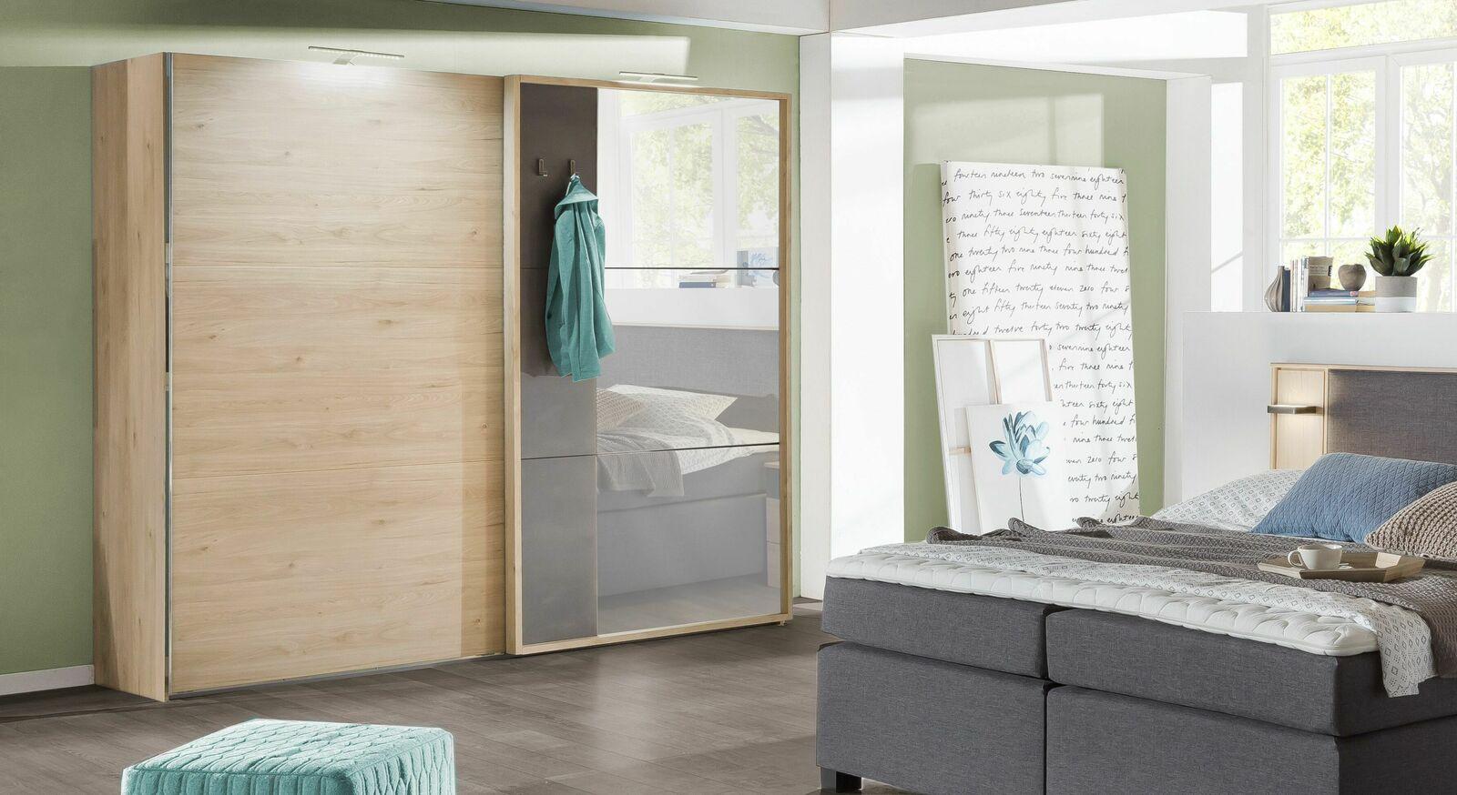 Leichtgängiger Schwebetüren-Kleiderschrank Naila mit Spiegel