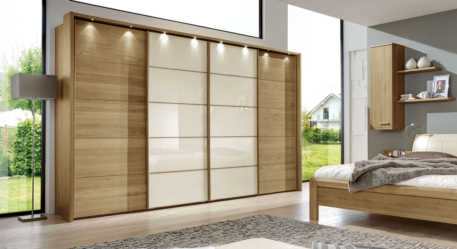 schwebet ren kleiderschrank in eiche dekor mit glasfront praia. Black Bedroom Furniture Sets. Home Design Ideas