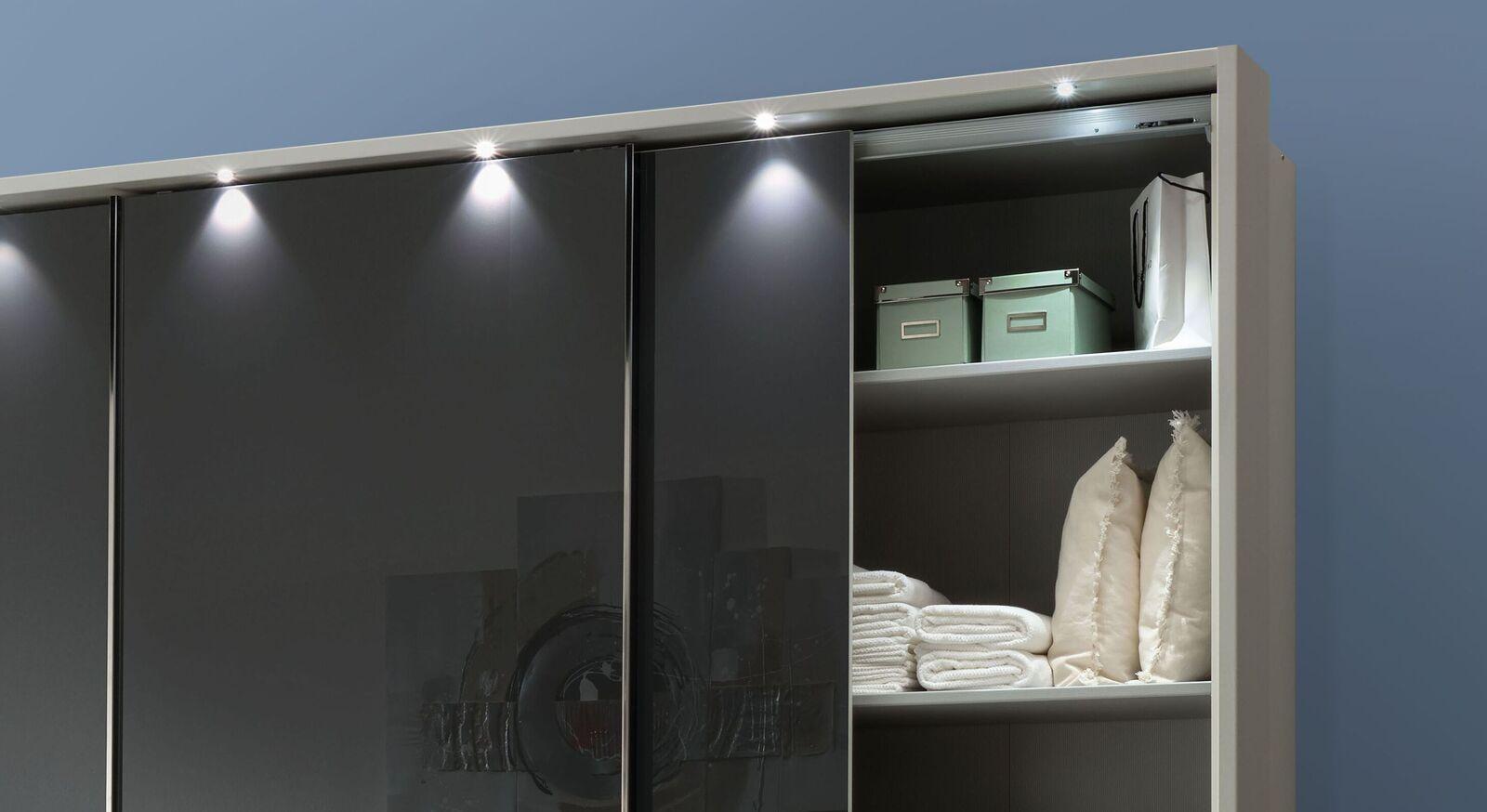 Schwebetüren-Kleiderschrank Rufin mit praktischer Inneneinteilung