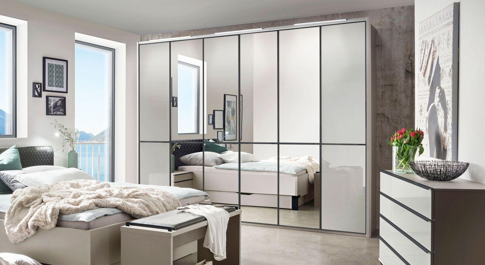 Spiegel-Drehtüren-Kleiderschrank Loyd aus kieselgrauem Glas