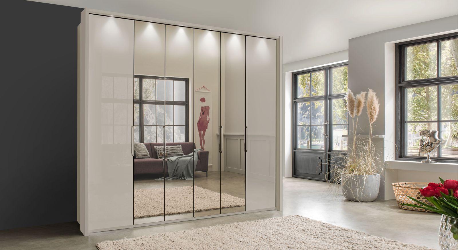 Spiegel-Falttüren-Kleiderschrank Northville mit praktischer Zusatzausstattung