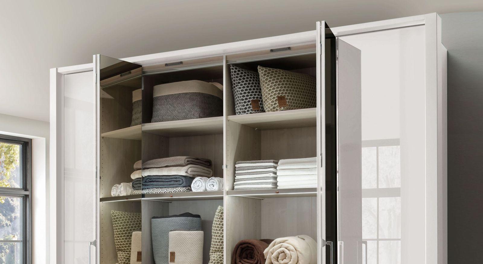 Spiegel-Falttüren-Kleiderschrank Westville für Stauraum im Schlafzimmer