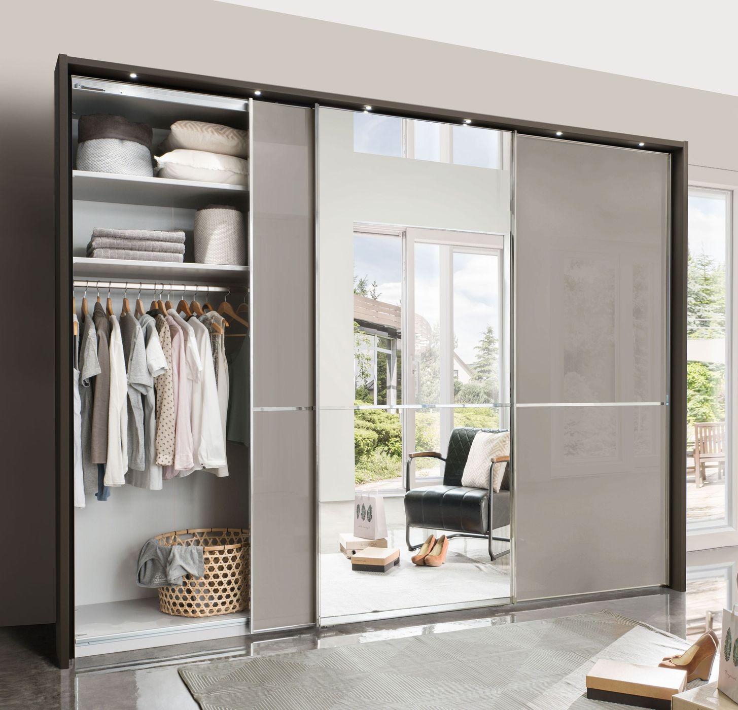 kleiderschrank mit gro em spiegel grauen schwebet ren butaco. Black Bedroom Furniture Sets. Home Design Ideas