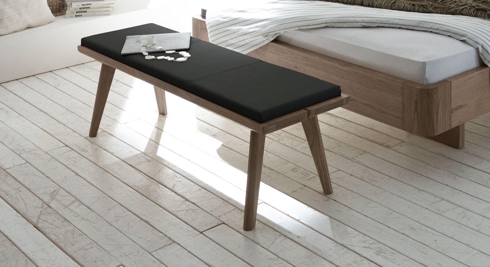 Stabile Bettbank Inesis aus Echtholz