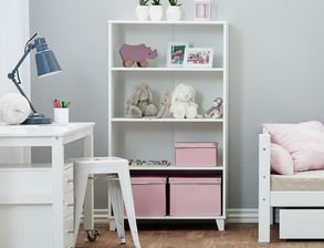 kinderschreibtisch in wei mit schubladen kids heaven. Black Bedroom Furniture Sets. Home Design Ideas