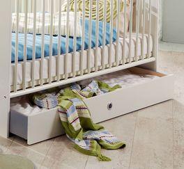 Babyzimmer Los Pinos mit geräumiger Bettschublade