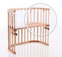 Beistellbett BabyBay mit Luftschlitzen in der Liegefläche
