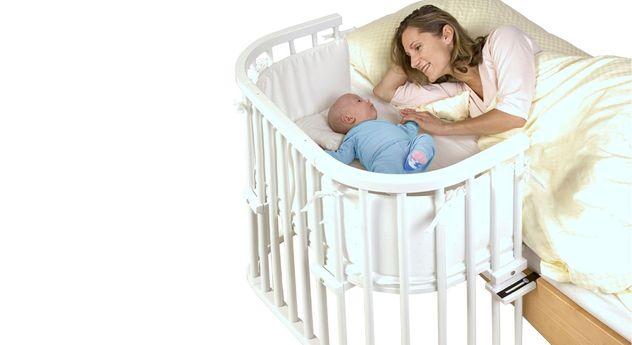 Modernes Beistellbett BabyBay Original in Weiß