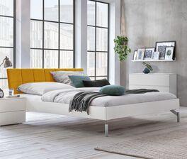 Niedriges Bett Akuma in modernem Design
