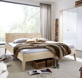 Bett Alistra aus hellem Holz