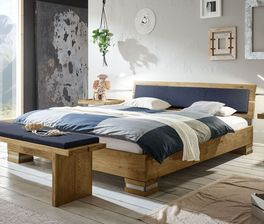 Robustes Bett Alvorada aus geöltem Holz