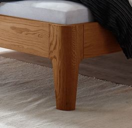 Bett Ambato mit Füßen im rustikalen Look