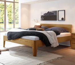 Bett Ambato mit natürlich gemasertem Holzrahmen