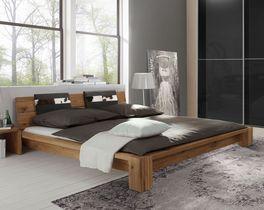 Bett Aragon mit trendigem Holzbettrahmen