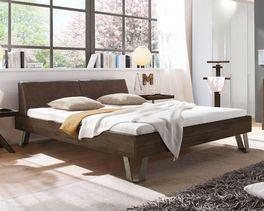 Rustikales Designerbett Aveiros aus Massivholz