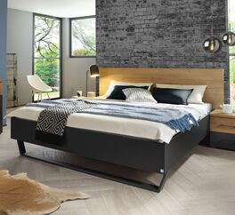 Bett Azula mit breitem Bettrahmen