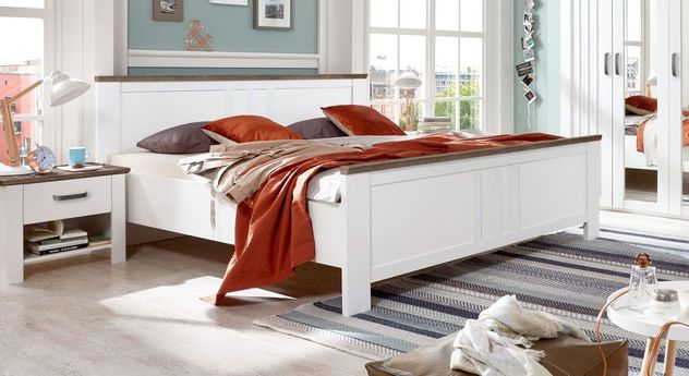Alpinweißes Bett Balero in Kassetten-Optik