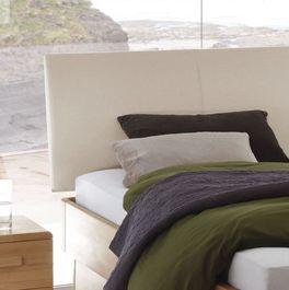 Bett Ballina mit ergonomischer Rundung am Kopfteil