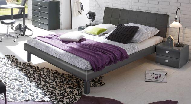Modernes Bett Bamako mit dezenten Rundungen
