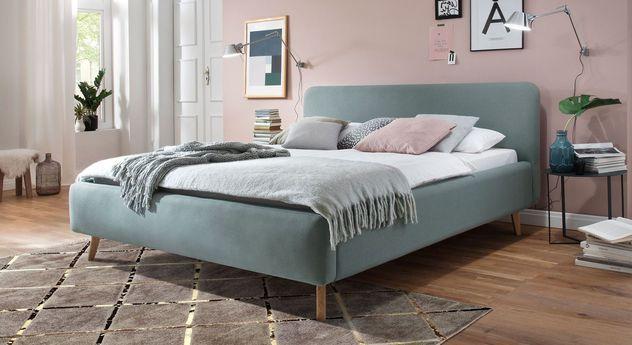 Bett Carballo mit passendem Teppich