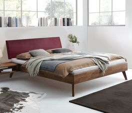 Bett Chiasa aus hochwertigen Materialien