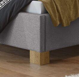 Bett Condeo mit Blockfüßen aus Eichenholz