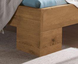 Bett Dano mit Füßen aus massivem Holz