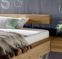 Bett Darica mit massivem Vollholz-Kopfteil