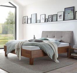 Modernes Bett Fenzlo mit hohem Bettrahmen