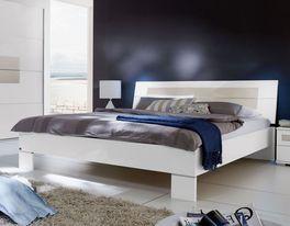 Schlichtes Bett Filetto in Komfortgröße