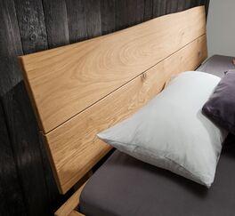 Holz-Kopfteil von Bett Fillin mit natürlicher Baumkante