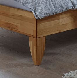 Bett Fontana mit massiven Holz-Bettbeinen