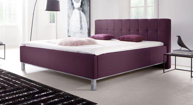 Bett Fresia mit Webstoff in extravagantem Violett