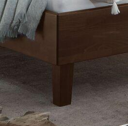 Bett Fucino mit stabilen Massivholz-Füßen