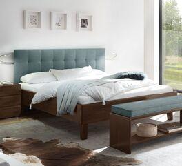 Klassisches Bett Fucino mit Massivholz-Bettrahmen