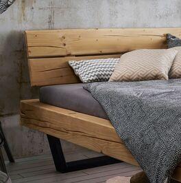 Bett Galja mit modernem Holzkopfteil