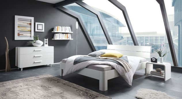 Bett Gamba mit passenden Schlafzimmermöbeln in Weiß